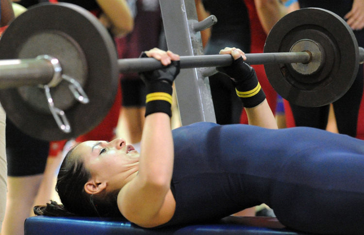 girls weightlifting
